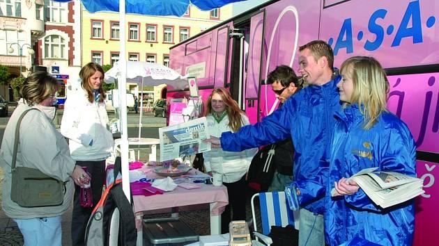 Růžový autobus v Děčíně