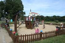 Dětské hřiště na Labském nábřeží.