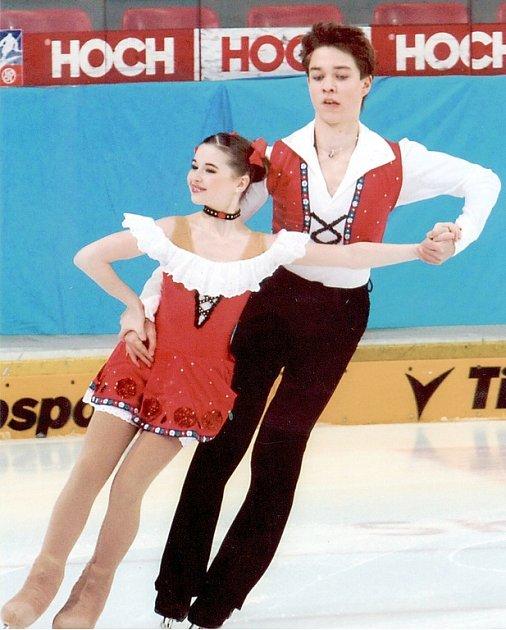 Mladý taneční pár sklidil na exhibici úspěch.