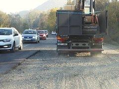 Na silnici z Ústí nad Labem do Děčína probíhá rekonstrukce již dva týdny.