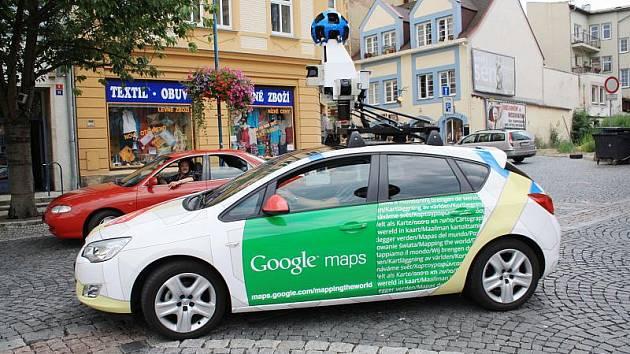 Děčín brázdilo auto pořizující fotografie pro Google mapy.