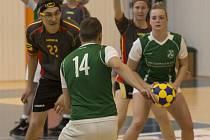 DĚČÍNSKÁ HALA MAROLDOVKA mohla o víkendu vidět mezinárodní turnaj v korfbalu.