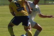 PŘÍPRAVA. Fotbalisté FK Teplice (ve žlutém) porazili 5:3 Baník Most.