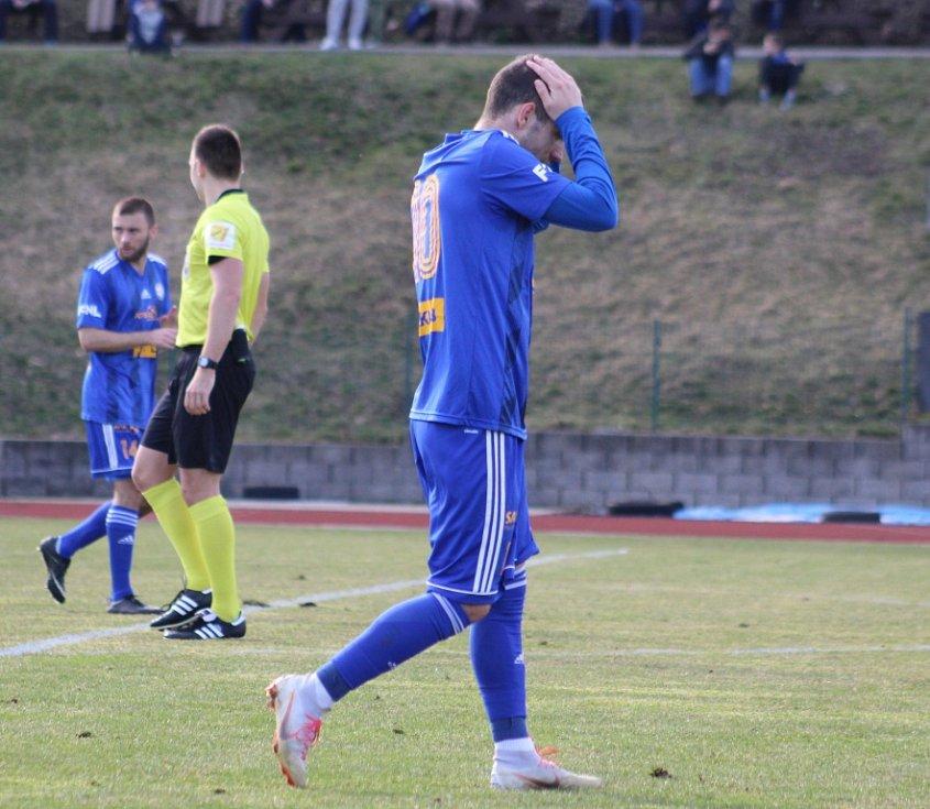 REMÍZA. Varnsdorf (v modrém) hrál s Vítkovicemi 0:0.