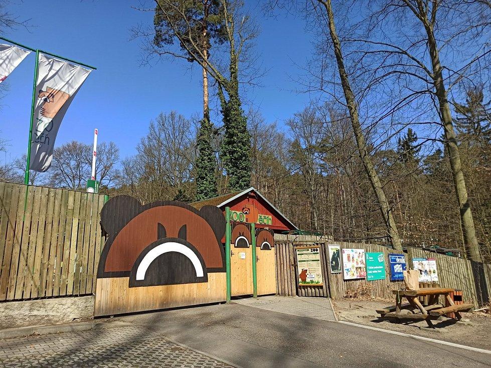 Zavřená Zoo Děčín.