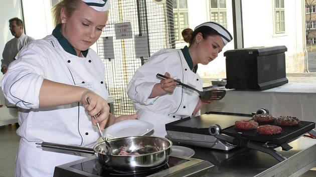 Gastro Labe patřilo kuchařům, číšníkům a cukrářům.