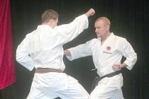 Trenér Jan Steklý s úspěšným medailistou Robertem Vitmajerem.