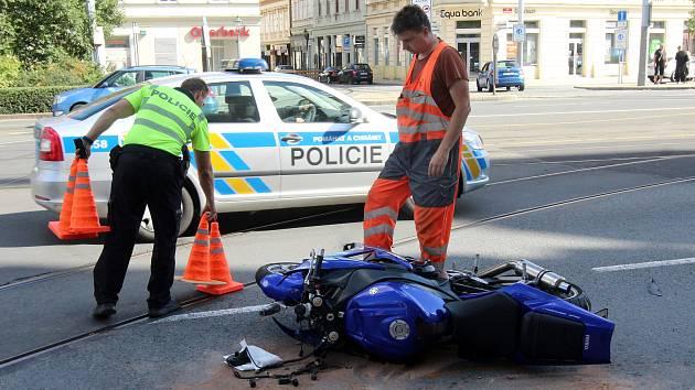 Nehoda motocyklu, ilustrační foto.