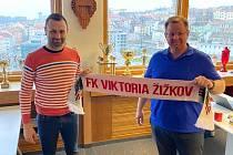 David Oulehla a předseda představenstva Viktorie Žižkov Milan Richter.