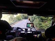 U požáru lesa v Hřensku zasahovalo šest jednotek.