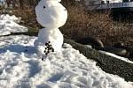 Sněhuláci na hranicích mají symbolizovat lidskost v přeshraničních vztazích.