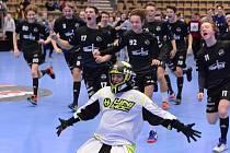 RADOST mladých libereckých florbalistů po vítězství na prestižním švédském turnaji.