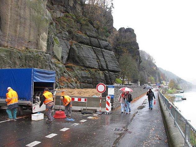 Opětovné otevření silnice ve Hřensku je otázkou několika mála dnů.