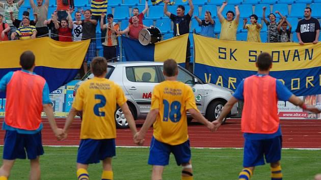 VÍTĚZNĚ zakončili sezónu fotbalisté Varnsdorfu, Spartu B porazili 2:1.