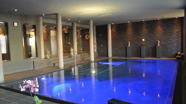 Bazén ve Zlaté Lípě.