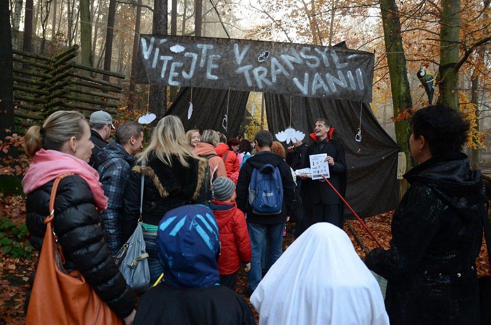 Areál zoo se proměnil ve strašidelný Hotel Transylvania.