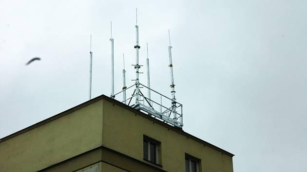 Na domě v Teplické ulici v Děčíně instaloval T–mobile zařízení bez povolení patřičných úřadu.