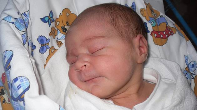 Mamince Kristýně Hankové z Benešova nad Ploučnicí se v úterý 30. dubna ve 12:53 hodin narodila dcera Natálka Hanková. Vážila 3,32 kg.