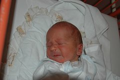 Lucii Pojtingerové z Děčína se 24. února v 8.42 hodin v ústecké porodnici narodil syn Viktor Pojtinger. Měřil 48 cm a vážil 3,22 kg.