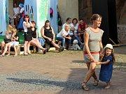 Festival pouličního divadla v Děčíně.