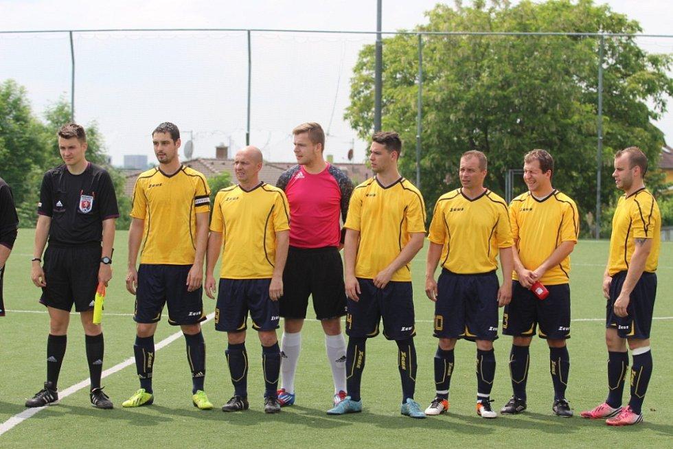 BENEŠOV zazářil a vyhrál nad Unčínem 3:0.