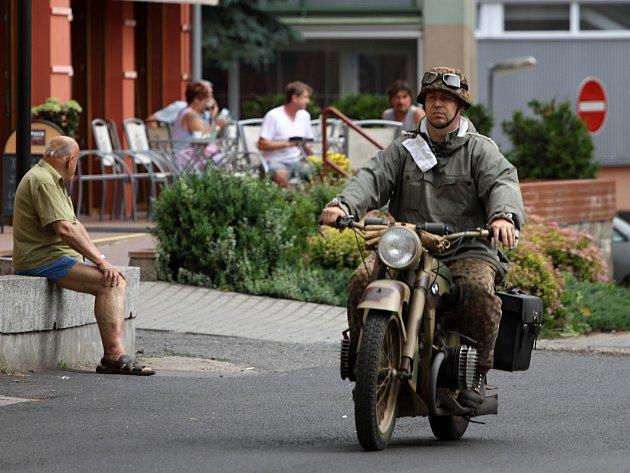 Výstava bojových a historických vozidel v Rumburku.