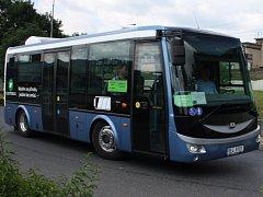 Elektrobus jezdil po Děčíně a vozil lidi zdarma.