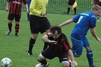 NEJLEPŠÍ ÚTOK. Tím disponují v I.B třídě dva týmy – FK Chuderov (modrá) a TJ Union Děčín.