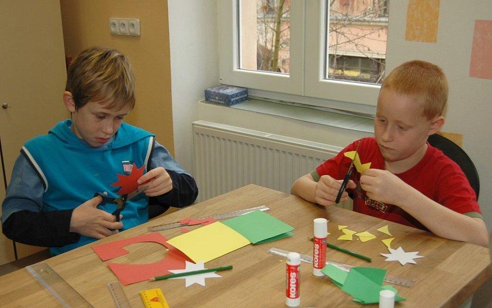 Žáci si vyzkoušeli i práci v chráněné dílně