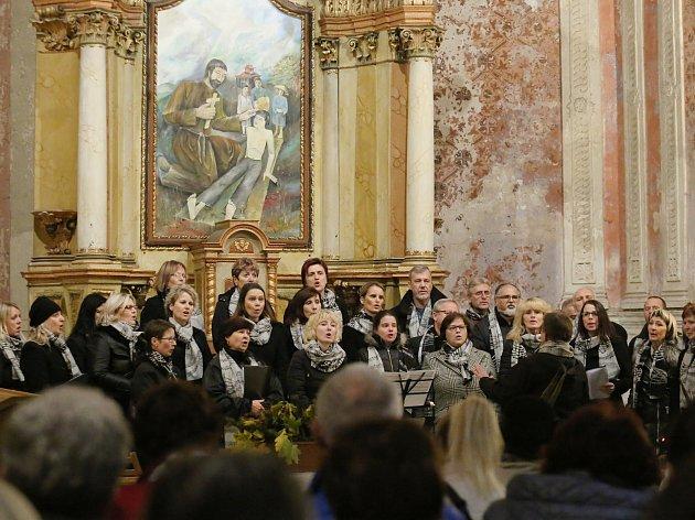 Benefiční koncert v kostel v Děčíně - Bělé.