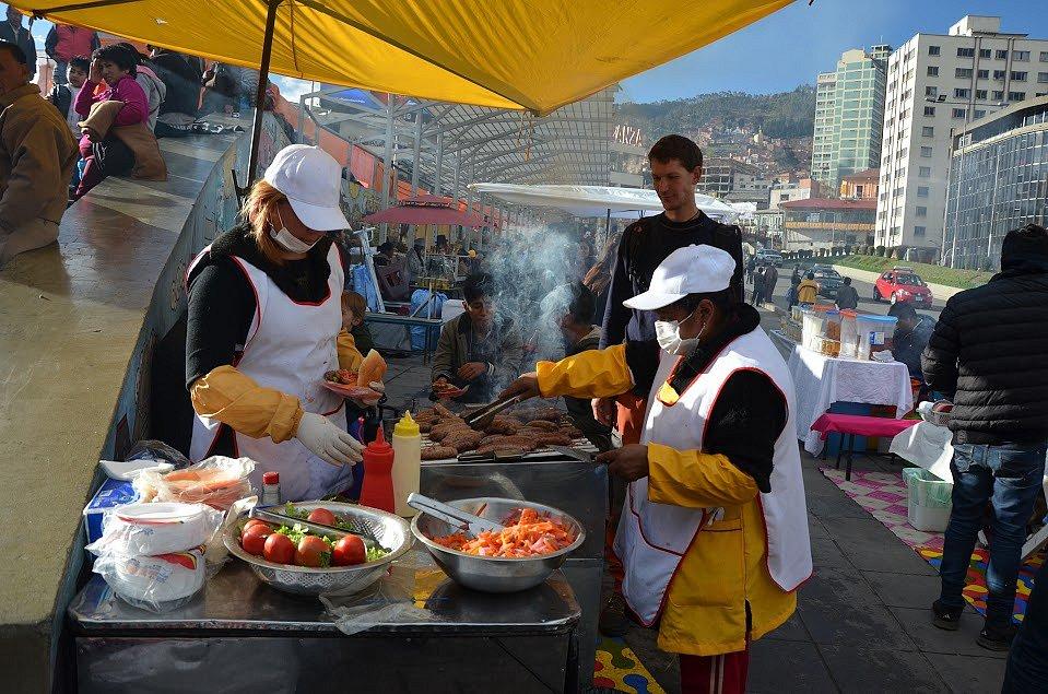 Pouliční strava v La Paz