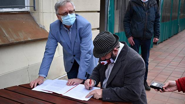 V Děčíně podepsali novou koaliční smlouvu.