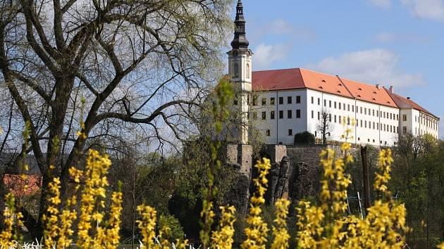 Jaro dorazilo do Děčína.