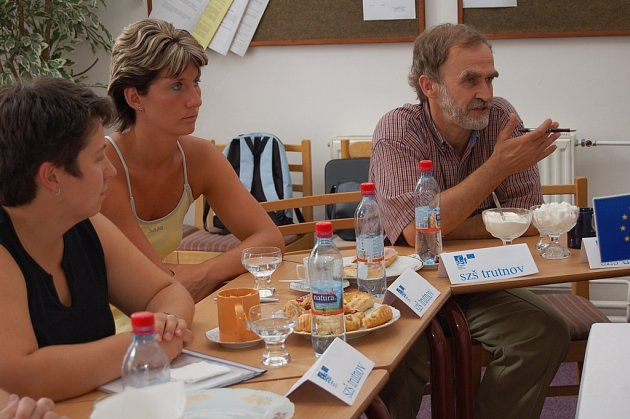 Jedním z partnerů projektu Zdravotnické vzdělávání pedagogů je Střední zdravotnická škola v Trutnově. Zúčastění si navzájem sdělovali výsledky téměř dvouleté spolupráce.