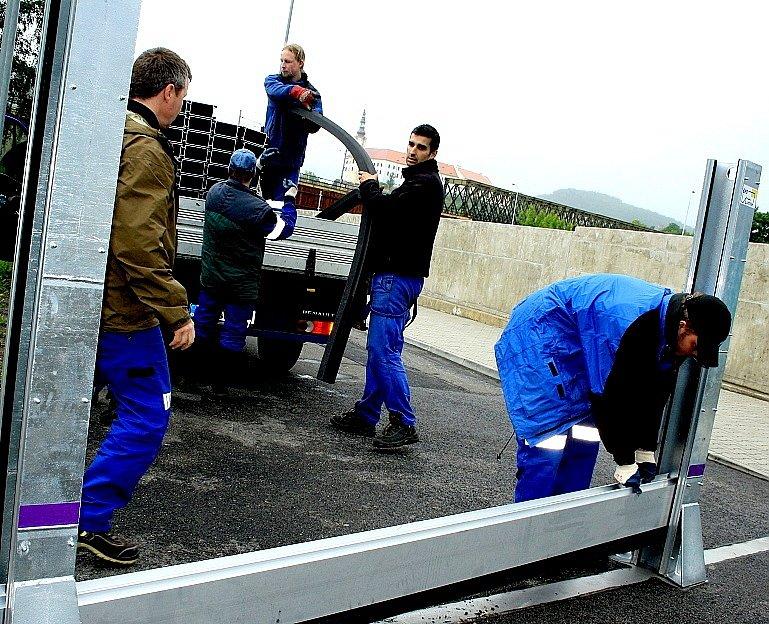 Stavba protipovodňových stěn v Děčíně