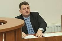 Pavel Vrcha v síni děčínského okresního soudu