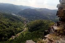 Zřícenina hradu Vrabinec - výhled.