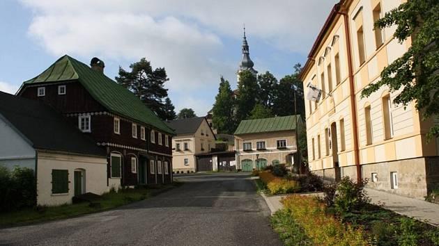 Obec Kytlice.