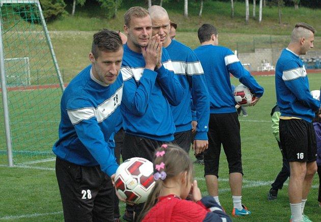 MŠ ČTYŘLÍSTEK navštívila trénink FK Varnsdorf.