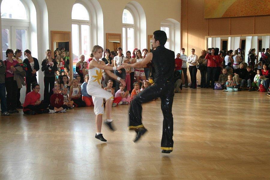 Již 6.ročník aerobikové soutěže dětí a juniorů se konal v sobotu 15. listopadu v  prostorách Domu dětí a mládeže na Teplické ulici v Děčíně