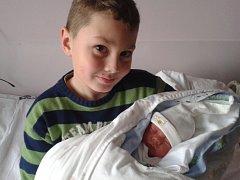 Janě Chlubnové z Jílového se v děčínské nemocnici 19.11. v 10.46 narodil syn Kryštof Kuba. Vážil 2,98 kg a měřil 46cm.