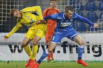 DERBY. Varnsdorf (ve žlutém) prohrál v Ústí nad Labem 0:2.