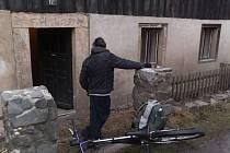 Zloděje, který vykradl rodinný dům, se podařilo zadržet děčínským strážníkům.