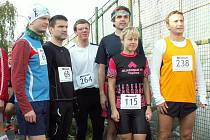 Děčínští běžci na startu maratonu v Praze.