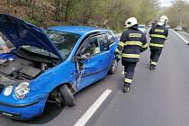 V Martiněvsi se srazila dvě osobní auta.