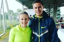 ÚLOVEK. Blanka Plocarová si našla chvilku na společné foto s českou atletickou hvězdou Pavlem Maslákem.