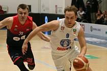 JAK PROŽÍVÁ VÁNOCE děčínský basketbalista Ondřej Šiška?