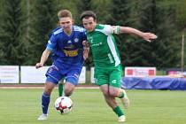 DALŠÍ PORÁŽKA. Fotbalisté Varnsdorfu (v modrém) doma prohráli s Vlašimí 0:2.