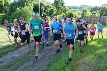 Závod Přes Ostrý pro ostrý absolvovalo přes 50 závodníků.