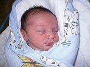 Nikol Kešelové z Děčína se 15. října ve 14.00 narodil v děčínské nemocnici syn Dominik Kešel. Měřil 49 cm a vážil 2,84 kg.